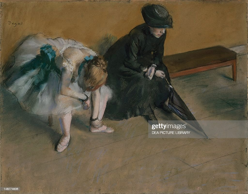 Waiting (L'attente), ca 1882, by Edgar Degas (1834-1917), pastel on paper, 48.2 x61 cm. (Photo by DeAgostini/Getty Images) : News Photo