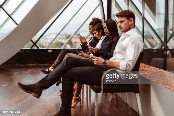 esperando entrevista de trabalho - candidato - fotografias e filmes do acervo