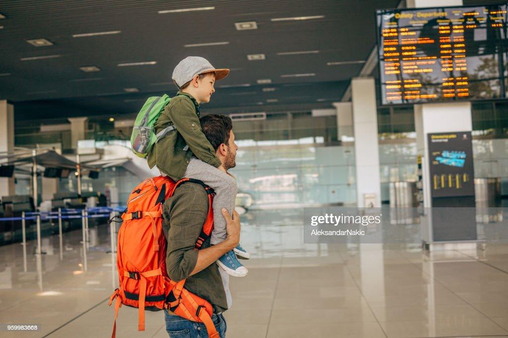 Warten auf dem Flug : Stock-Foto