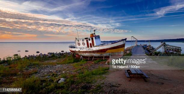 waiting for the sailors - for stock pictures, royalty-free photos & images