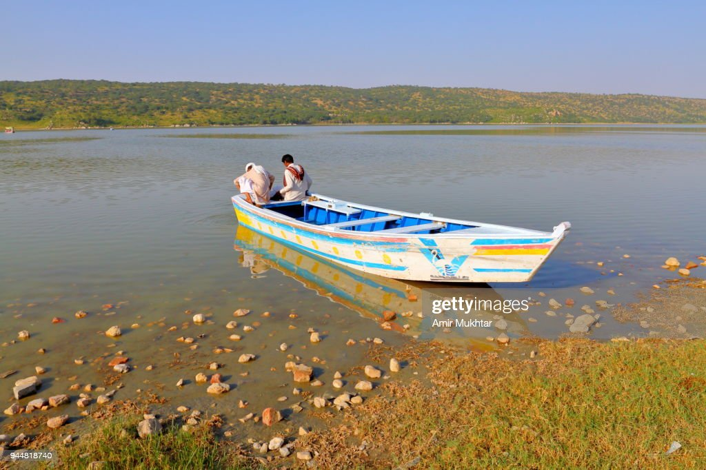 Waiting for the tourists for boat ride in the lake : Stock Photo