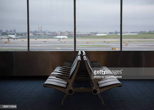 waiting - kennedy airport stock pictures, royalty-free photos & images