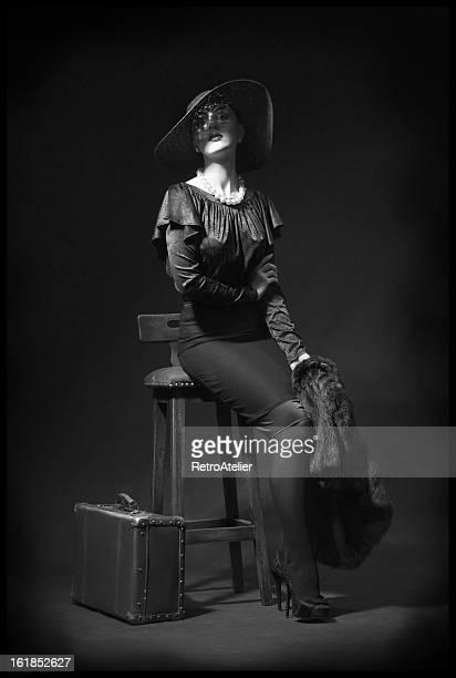 espera. - mulher fatal - fotografias e filmes do acervo