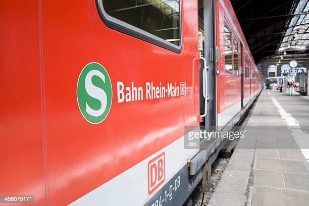 Waiting S-Bahn, open doors