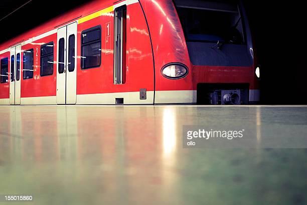 Warten S-Bahn, U-Bahn-station