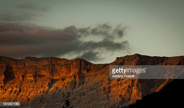 waiting to return (dolomiti) - adriano ficarelli stock pictures, royalty-free photos & images