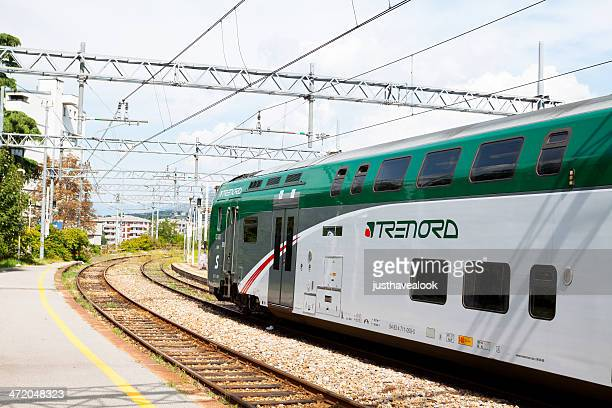 waiting train in varese nord - varese stock pictures, royalty-free photos & images