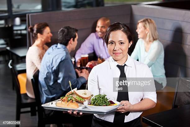 ウェイトレスのお食事用トレイ