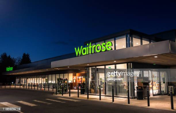 waitrose supermarket at night - fachada supermercado imagens e fotografias de stock