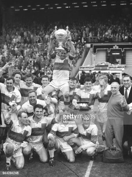Wakefield Trinity do a lap of honour during the Rugby League Cup Final after beating Huddersfield 12 - 6 at Wembley 12th May 1962.