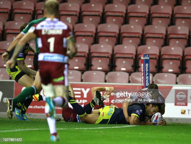 Wakefield Trinity's Bill Tupou scores his sides second try of the game during the Betfred Super League Super 8's match at the DW Stadium Wigan