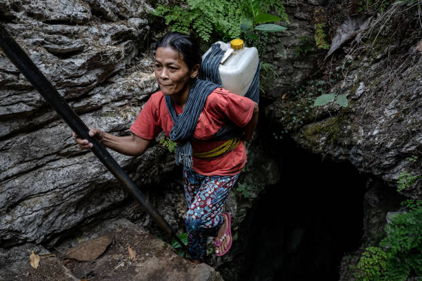 IDN: Indonesian Villagers Surviving On Cave Water During Drought Season