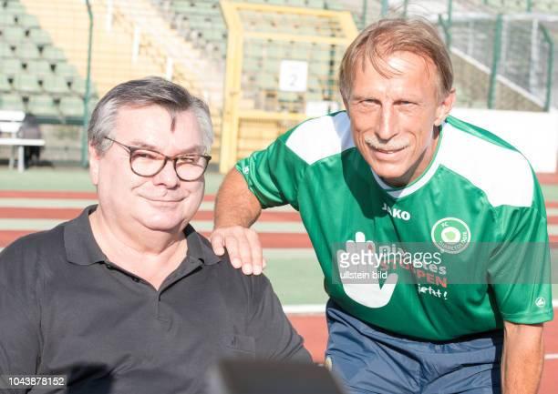 Waldemar Hartmann Christoph Daum .Klappe, die Dritte am im Berliner Friedrich-Ludwig-Jahn-Sportpark! Zweimal gab es die Begegnung FC Bundestag versus...