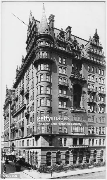 Waldorf Hotel, northwest corner of Fifth Avenue and E 33rd Street, New York, New York, early to mid 1890s.