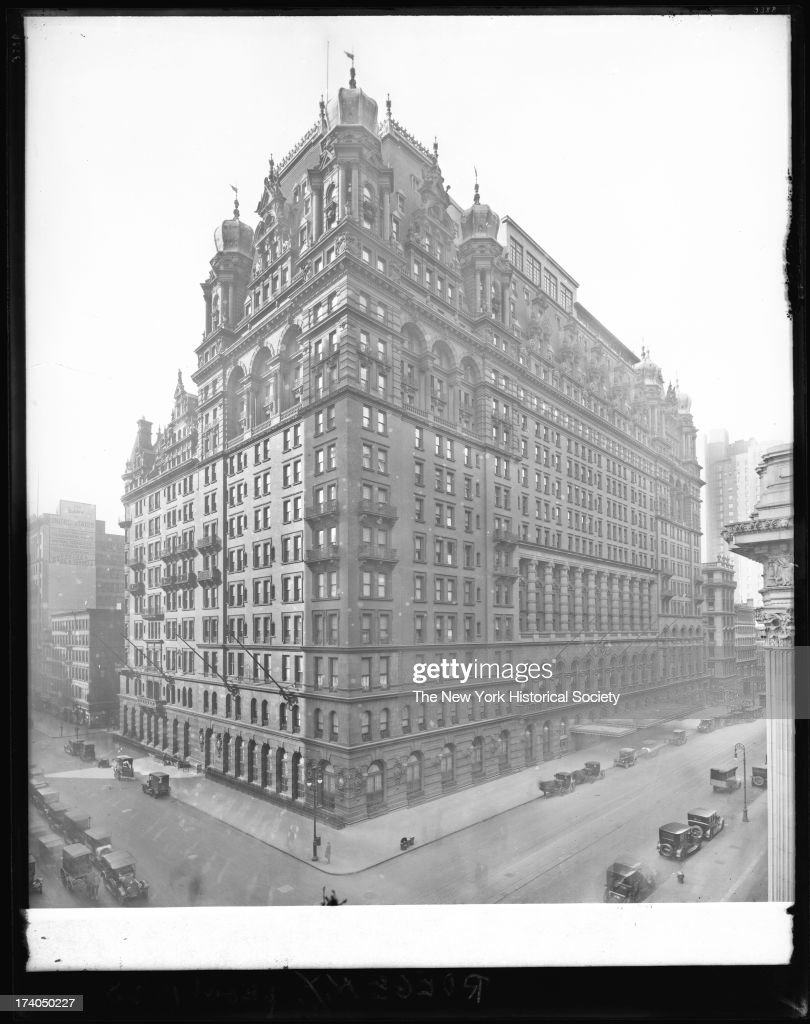 Waldorf-Astoria Hotel, Fifth Avenue from West 34th Street to West 33rd Street, New York, New York, late 1910s or early 1920s.