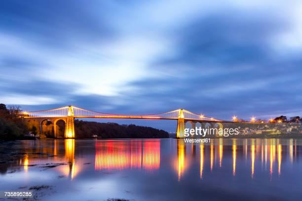 uk, wales, anglesey, menai suspension bridge - ponte sospeso di menai foto e immagini stock