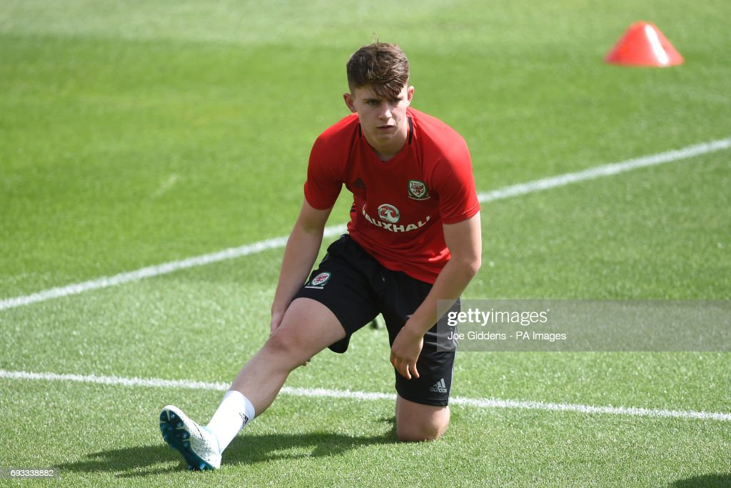 Wales Training Session - The Vale Resort : News Photo