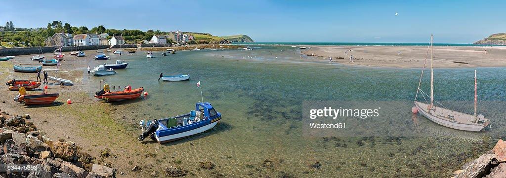 UK, Wales, Boats in Newport bay : Stock Photo