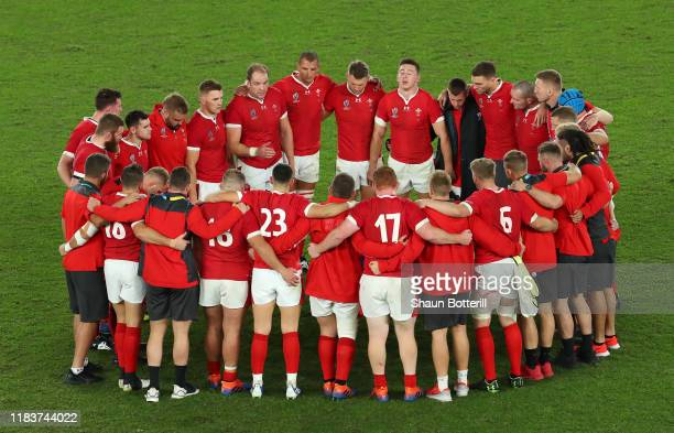 Wales captain Alun Wyn Jones talks to the team at the end of the Rugby World Cup 2019 SemiFinal match between Wales and South Africa at International...