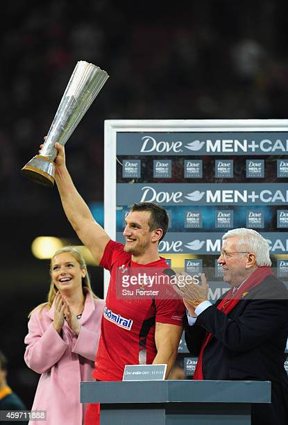 Wales captain Sam Warburton lifts the winners trophy after the Autumn international match between Wales and South Africa at Millennium Stadium on...