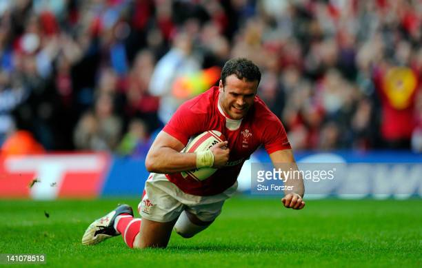 Wales centre Jamie Roberts scores his try during the RBS Six Nations match between Wales and Italy at the Millennium stadium on March 10 2012 in...
