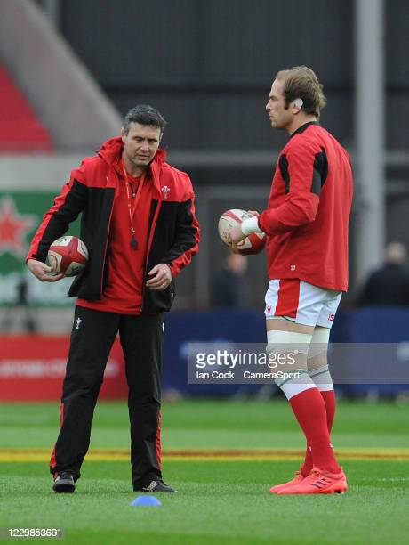 Wales coach Stephen Jones speaks to Alun Wyn Jones during the Quilter International match between Wales and England as part of the Autumn Nations Cup...
