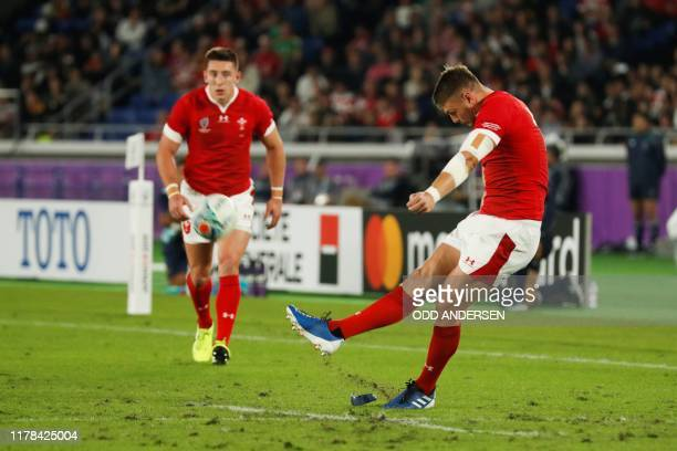 Wales' flyhalf Dan Biggar scores a penalty during the Japan 2019 Rugby World Cup semifinal match between Wales and South Africa at the International...