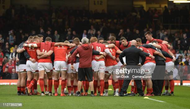 Wales have a team talk during the pre match warm up during the Guinness Six Nations match between Wales and England at Principality Stadium on...