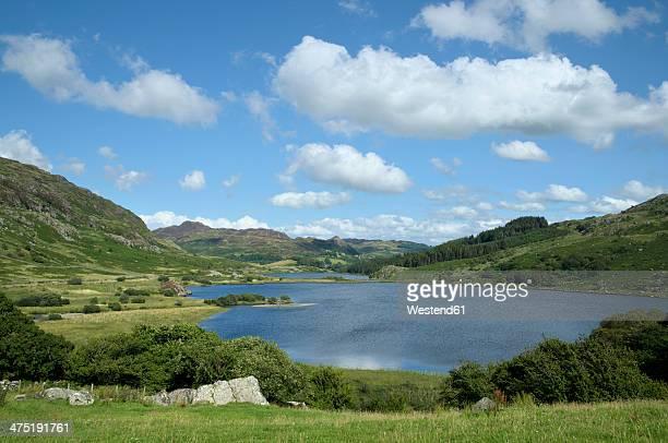 UK, Wales, Lake Llynnau Mymbyr in Snowdonia National Park