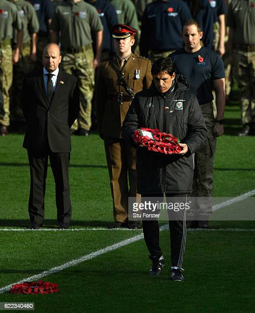 Wales manager Chris Coleman lays a wreath to mark Remembrance Day before Wales training prior to the FIFA 2018 World Cp qualifier against Serbia at...
