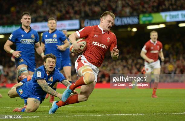 Wales Nick Tompkins scores his side's third try during the 2020 Guinness Six Nations match between Wales and Italy at Principality Stadium on...