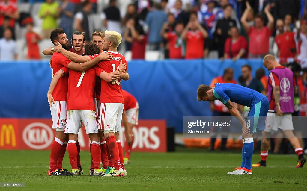 Wales players celebrate their 2-1 win in the UEFA EURO 2016 Group B match between Wales and Slovakia at Stade Matmut Atlantique on June 11, 2016 in Bordeaux, France.