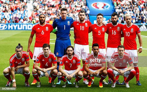 Wales players line up for the team photos prior ot the UEFA EURO 2016 round of 16 match between Wales and Northern Ireland at Parc des Princes on...