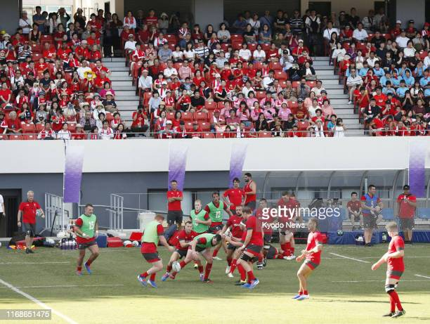 Wales players practice on Sept. 16 in Kitakyushu, their camp site host in southwestern Japan, ahead of the forthcoming Rugby World Cup in Japan.