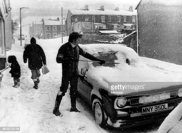 Wales woke up to blizzards picture shows the arctic scene in Maerdy as residents face the wintry conditions 28th April 1981