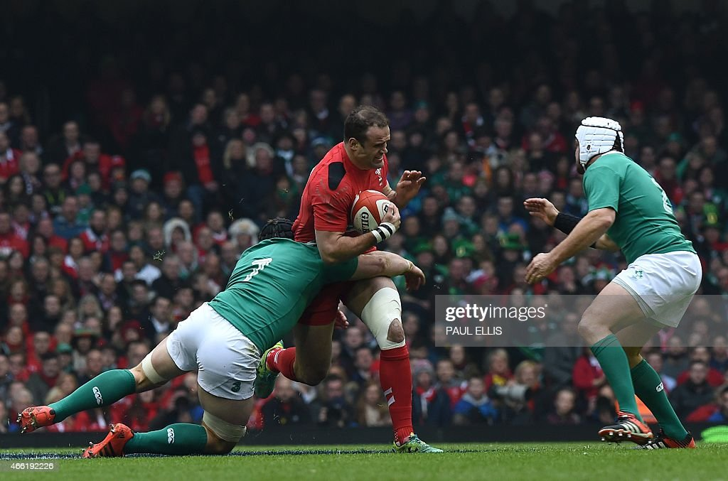 RUGBYU-6NATIONS-WAL-IRL : News Photo