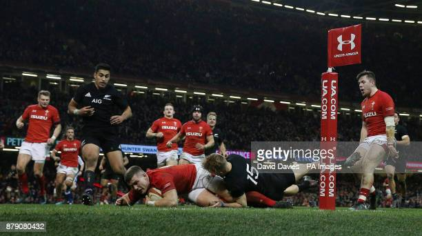 Wales's Scott Williams scores his sides first try during the Autumn International at the Principality Stadium Cardiff