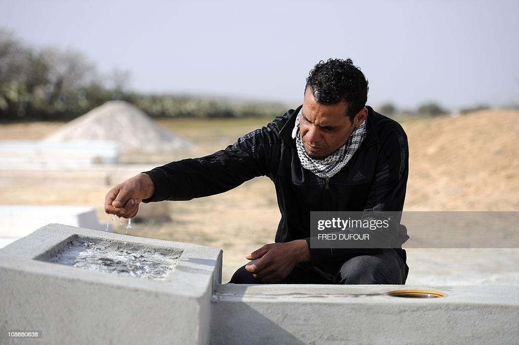 Walid Bouazizi, cousin of Tunisian prote : News Photo