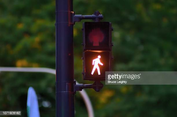 walk, don't walk sign - walk don't walk signal stock pictures, royalty-free photos & images