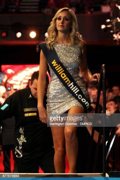Walk on girl Sarah Tunnicliffe wearing a williamhillcom sash