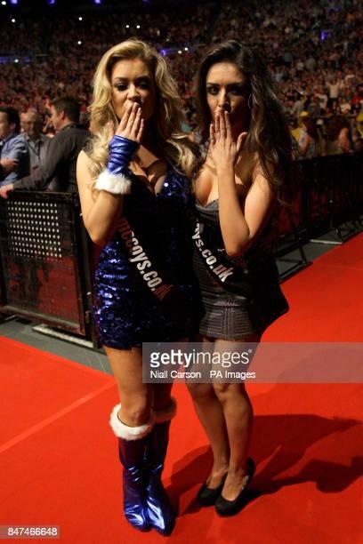 Walk on girls Hazel O'Sullivan and Kelly Donegan blow a kiss