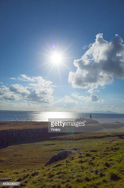 walk path to the neist point lighthouse, skye - vsojoy stockfoto's en -beelden