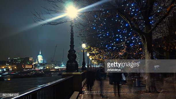 walking along south bank in the evening - anatoleya stock pictures, royalty-free photos & images