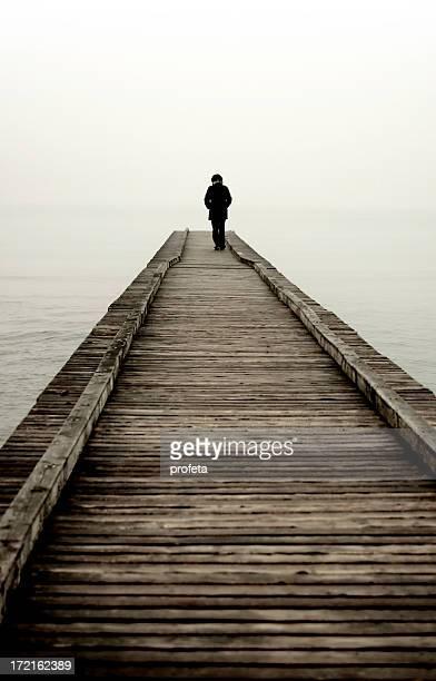 walking away - suicídio imagens e fotografias de stock