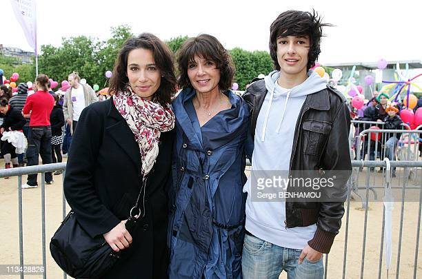'Walking For The Fight Against Leukemia ' With The Laurette Fugain Association In Paris France On May 17 2009 Stephanie Fugain and her kids Marie and...