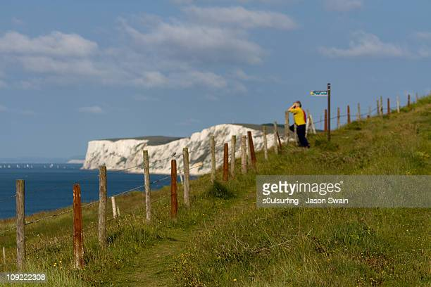 walking holiday, isle of wight - s0ulsurfing stock pictures, royalty-free photos & images