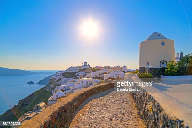 walking in oia - oia santorini stock pictures, royalty-free photos & images