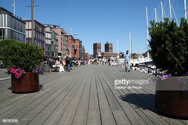 walking the planks in aker brygge - stephan de prouw stock pictures, royalty-free photos & images