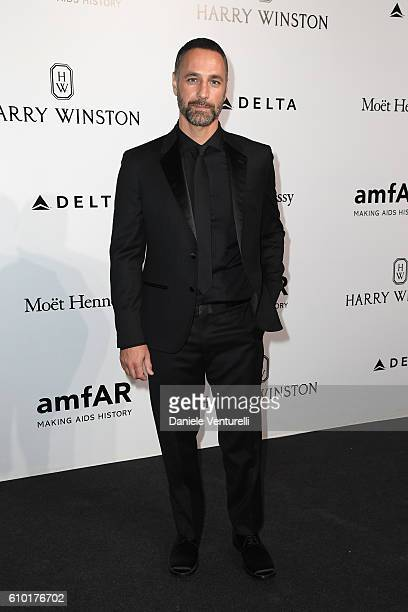 walks the red carpet of amfAR Milano 2016 at La Permanente on September 24 2016 in Milan Italy
