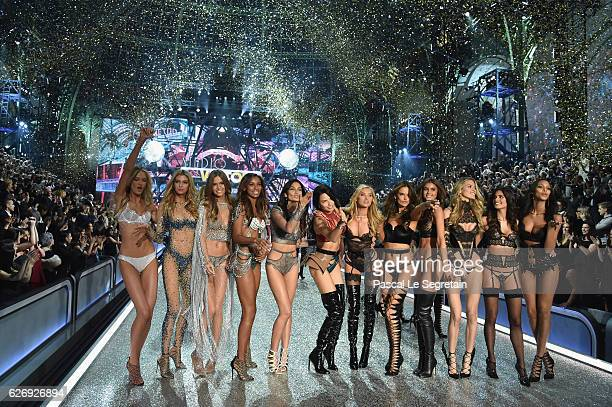 walks the runway at the Victoria's Secret Fashion Show on November 30 2016 in Paris France